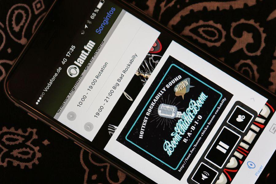Das Boom-Chicka-Boom betreibt seine eigene Radiostation auf laut.fm