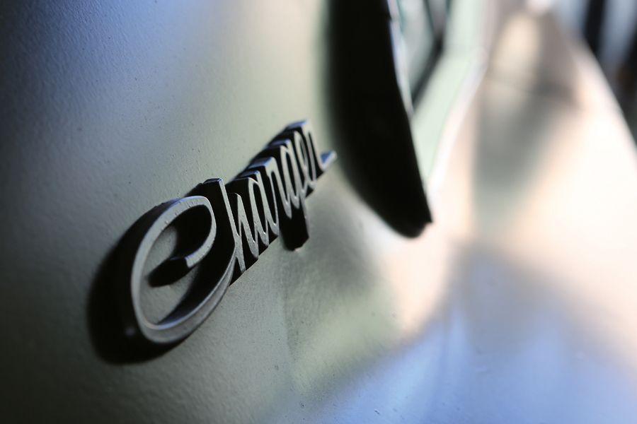 Bei Cruising Cars stehen immer um die zehn US-Cars zum Verkauf auf dem Hof.