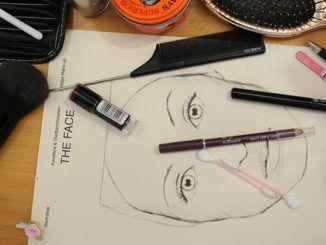 Am Samstag, den 19.08.2017 von 14:00 – ca. 20:00 Uhr findet bei SWAY Books im Hamburger Oberhafen der 2. Vintage Hair- & Make-Up Workshop mit Typberatung und Foto-Shooting im Pin-up-Stil statt.