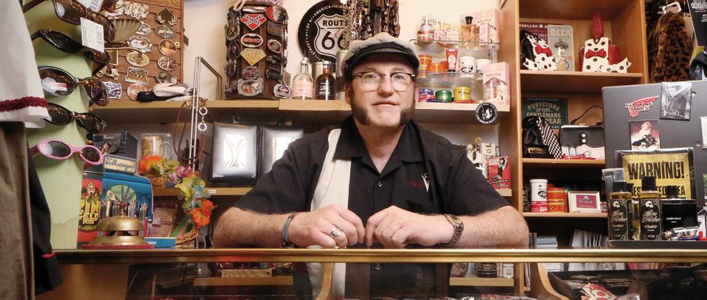 Nostalgie Shop, das Rock'n'Roll Kaufhaus in Hamburg, Inhaber Jürgen Schewior, SWAY MAG #03