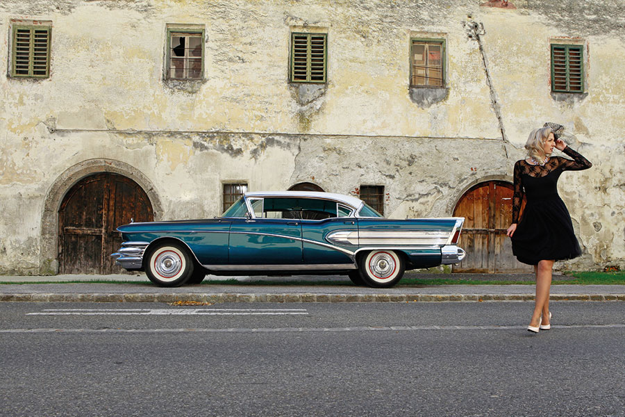 "1958 Buick Roadmaster Riviera Hardtop Sedan: ""When better Cars are built, Buick will build them!"" SWAY MAG #03: Text von Peter Lemke, Fotos: Carlos Kella"