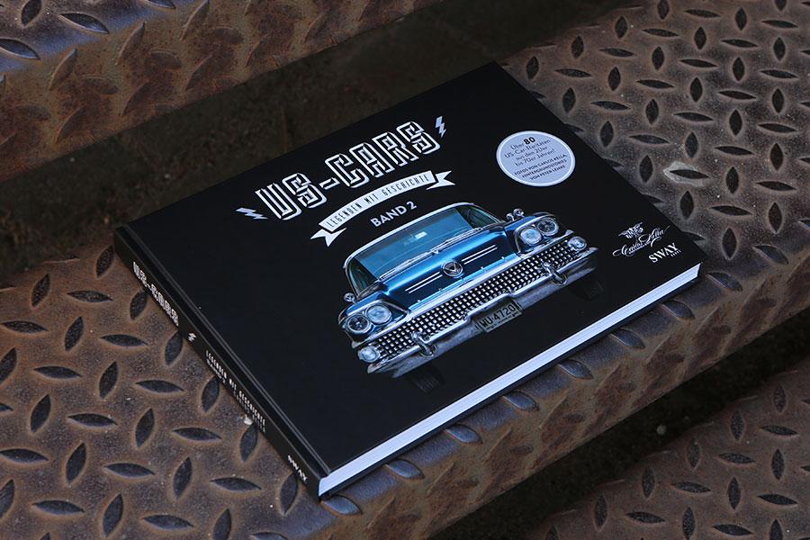 """Der Buick Roadmaster ist auch gleichzeitig das """"Cover-Model"""" von unserem zweiten Bildband US-CARS – LEGENDEN MIT GESCHICHTE BAND 2. Der Hardcover-Bildband von Carlos Kella präsentiert auf 296 Seiten über 80 US-Car Raritäten aus den 20er bis 70er Jahren im Detail."""