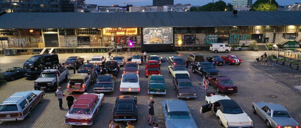 Am Sonntag, den 19.07.2020 fand das erste Independent-Autokino für Oldtimer und US-Cars initiiert von Carlos Kella und SWAY Books im Hamburger Oberhafen statt