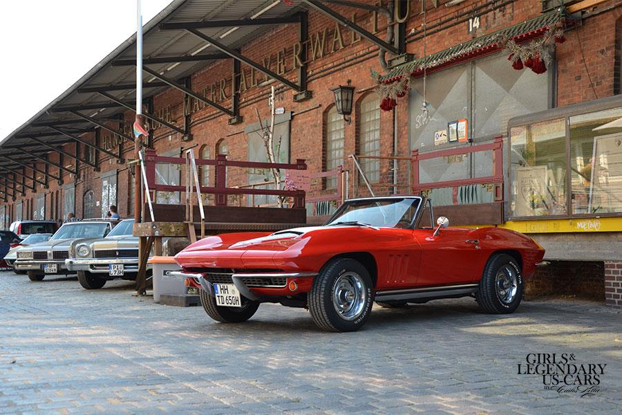 Die Präsentation und der Erstverkauf des Girls & legendary US-Cars 2021 Wochenkalenders fand am Samstag, den 15.08.2020 im Rahmen eines Rampenverkaufs statt